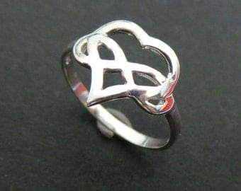 Polyamory Heart Infinity Ring - Silver Love Infinity Knot Ring - Polyamory Jewelry - Polyamory Ring - Ddlg, bbc, Master and Slave