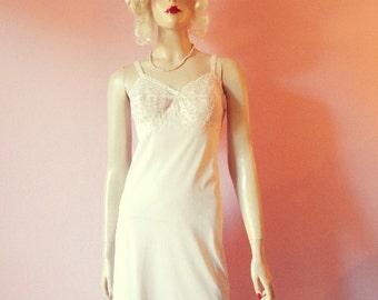 """Vanity Fair- Petal Pink Lace Full Slip- 36"""""""