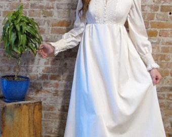 Vintage 1970s Ivory Empire Wedding Dress - 1960s -  Long Sleeve - Lace Details - Off White  - Empire Waist - Boho Bride