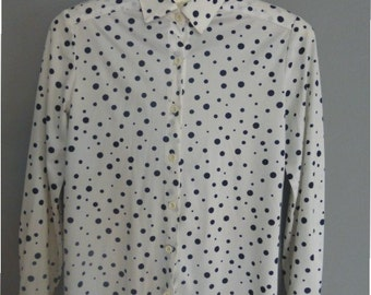 60s polka dot shirt. XS size. Soft polyester women's top, made in Greece. In a very good vintage condition.
