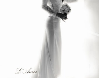 Romantic Design High Neck Long Sleeve Lace Wedding Gown Dress with Fitted Waist