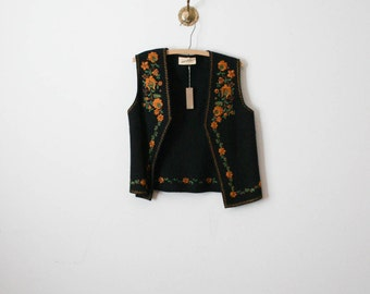 vintage 70s hungary embroidered vest