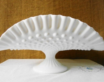 VINTAGE Milk Glass HOBNAIL BANANA Stand Ruffled Edge Crimped Ribbed Pedestal White Milk Glass Serving Stand Folded Cake Stand Mid Modern