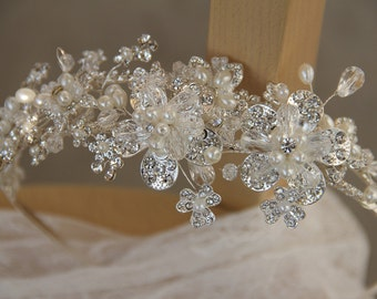 Bridal headband, Wedding Accessory, Headpieces made of Clear Crystal and Ivory Pearls.