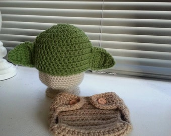 Crochet Baby Yoda Hat and Diaper Cover Set