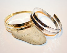 Hammered Upper Arm Band - Gold Silver Cuff bracelet made of brass, aluminium or german sivler.