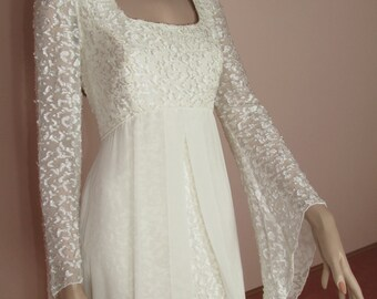 Wedding Dress 70s - Elegant vintage ivory wedding dress - Empire wedding dress