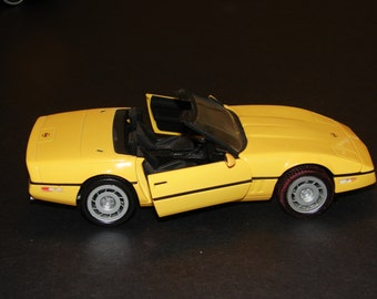 "Die-Cast 1986 ""Corvette"" Yellow -Vintage Franklin Mint (Discontinued)"