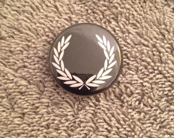 """Rare fred perry 1"""" pinback button"""