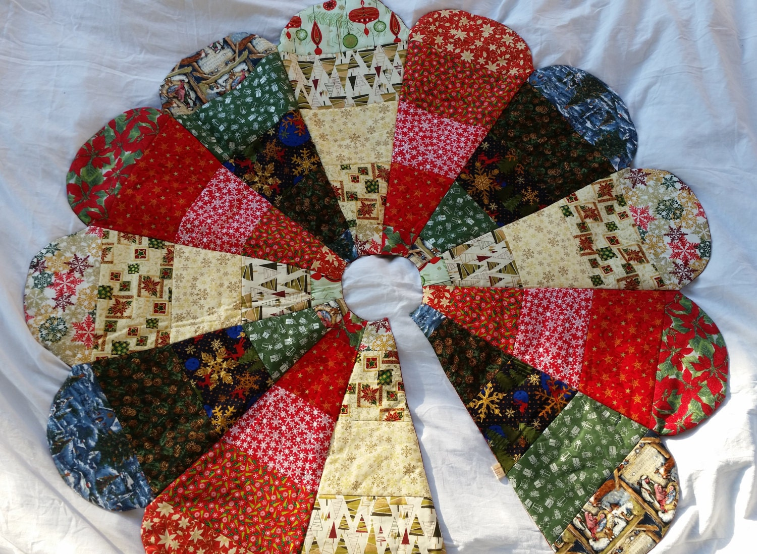 Quilted handmade christmas tree skirt religious