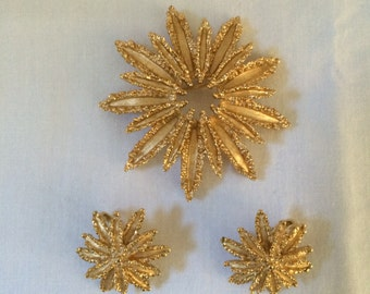Vintage Avon Sunburst Brooch and Earrings