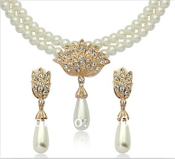 Elegant Bridal Set Heavy Gold Plated Diamante Crystal: Unusual Ivory Cream Pearl Gold Plated Crystal Vintage Bridal
