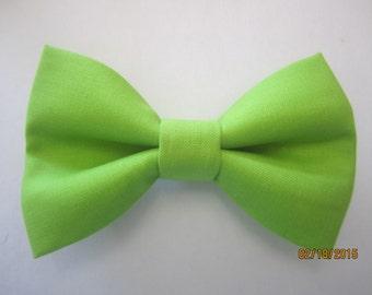 Men green bow tie, Lime green bow tie, Light green bow tie, boy green bow tie, wedding lime green bow tie, Handmade adjuster bow tie