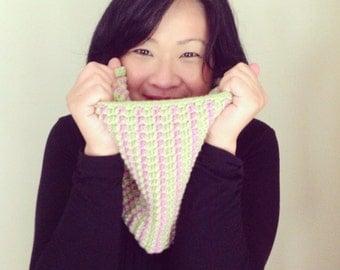 Eva Crochet Cowl