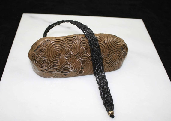 Celtic woven leather in black