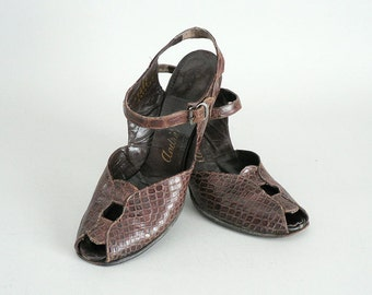 1940s Peep Toe Reptile Leather Sling Back Pumps Size 7 US