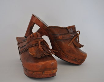 Tooled Leather Platform Clogs · Fringe Cutout Heel ·Wood Sole Hippie Boho · Brazil 5