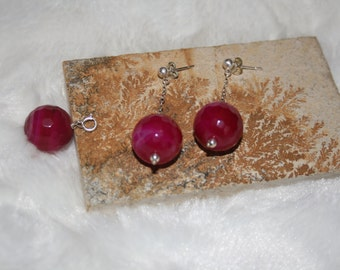 Juicy earring and pendant set, facetted rasberry pink agate and sterling silver chain