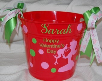 Personalized Valentine's Princess and Frog Plastic Bucket