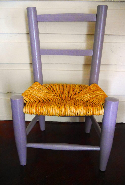 Petite chaise enfant vintage haute juice for Chaise medaillon enfant