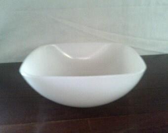 Agee Pyrex Milk Glass Bowl