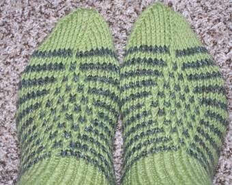 Hand knit socks for men 28 cm
