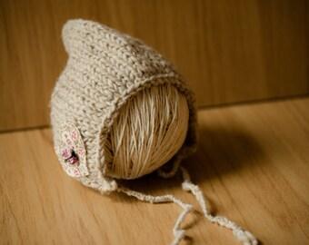 Newborn rose bonnet