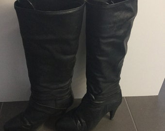 VTG 1980's black slouch boots size 6