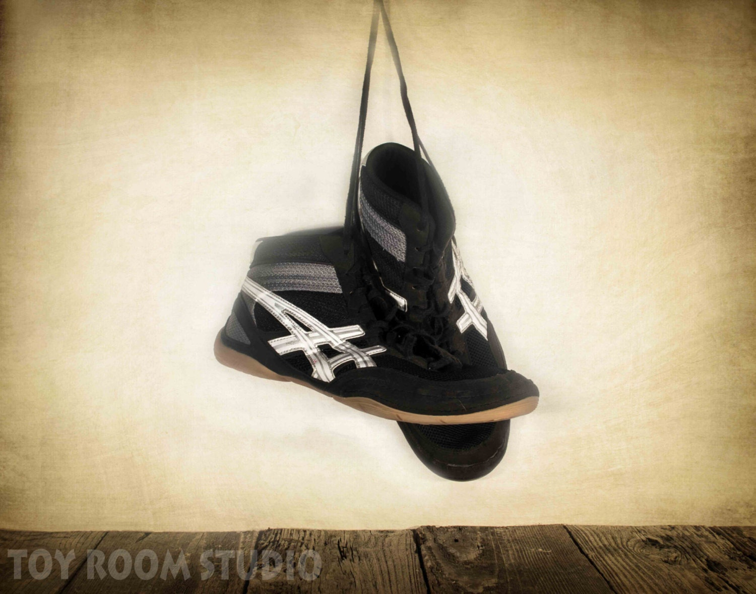 Used Wrestling Shoes Size