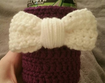Crochet Can Cooler With Bow
