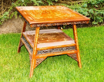 Chinoiserie painted Table