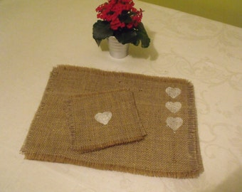 6 Hessian Table Mats and Coasters with white heart stencils