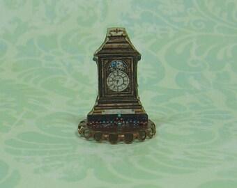 Dollhouse Miniature Mantel Clock Stand Up - C