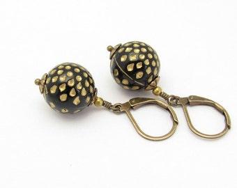 Black Earrings, Polka Dot Earrings, Vintage Bead Earrings, Retro Earrings, Polka Dot Jewelry, Dangle Earrings, Hawaii Beads