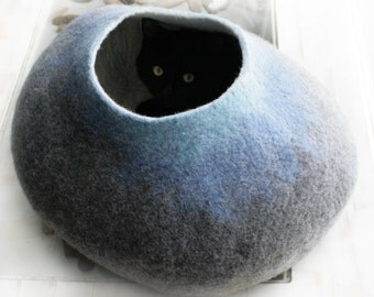 Extra Large Cat Nap Cocoon / Cave / Bed / House / Vessel - Hand Felted Wool - Crisp Contemporary Design - Grey Sky Bubble