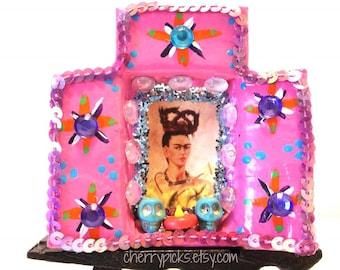 Frida Kahlo, Matchbox Nicho, Mexican Shrine, Day of the Dead, Mexican Nicho, Frida Art, Mexican Kitsch, Mexican Matchbox, Frida Picture