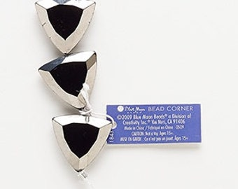 Triangle glass window beads OPAQUE BLACK with silver edge 23 x 24MM (6)