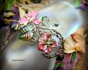 Summer Garden Bracelet  with Pink flowers and Green Pearls