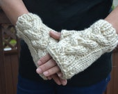 Handknit  Super Chunky Fingerless Gloves Los Angeles Tan