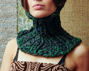 Evergreen Moss Cowl