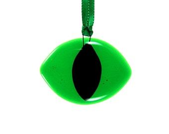 Green Cat Eye Suncatcher, Animal Suncatcher, Cat Suncatcher