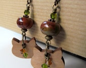Kitty Cat Wood Silhouette and Fern Green and Gold Swarovski Crystal Niobium Earrings