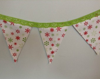 SALE Merry Christmas Snowflake Holiday Fabric Crochet Lace Trimmed Banner, Bunting Decoration, Merry Christmas Holiday Banners, Photo Props