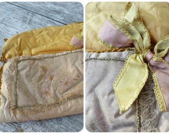 Vintage Antique old French 1900s Victorian silk handpainted purse bag pocket adorned with golden lace