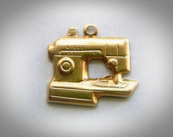BRASS (25 Pieces) SEWING MACHINE Brass Charms - Brass Stamping
