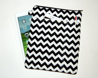 Black and White Chevron - MacBook Pro 13 / iPad / Microsoft Surface Padded Sleeve Cover