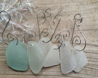 NATURAL ELEMENTS...10 sea glass ornaments, windchime making - christmas guide - upcycle idea