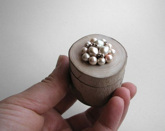 Fine Beige Cream Japan Bijou Sycamore Rustic Natural Wooden Pivot Ring Box by Tanja Sova