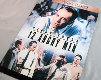 a comprehensive movie analysis of twelve angry men by sidney lumet 12 angry men by sidney lumet seán conlan ma summary and suggestions 15 the discourse of film 15 imagery 16 re-reading twelve angry men.