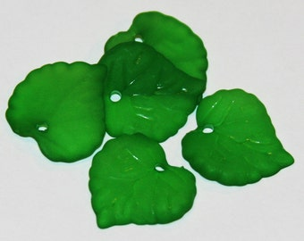 50 pcs of Frosted Acrylic leaf drops 15mm - Green